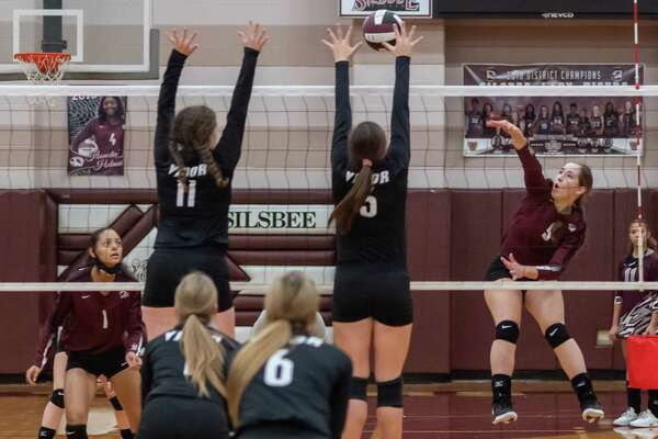 Silsbee's Sydney McKinney (9) smacks a shot over the net. The Vidor Lady Pirates took down the Silsbee Lady Tigers in four sets on Tuesday night. Photo made on September 29, 2020. Fran Ruchalski/The Enterprise