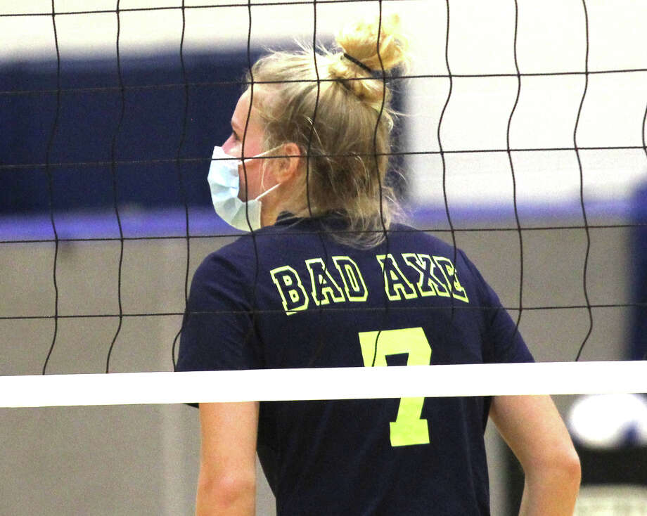 The Bad Axe varsity volleyball team swept the visiting Vassar Vulcans on Thursday night. The Hatchets won, 25-14, 25-14, 25-10. Photo: Mark Birdsall/Huron Daily Tribune