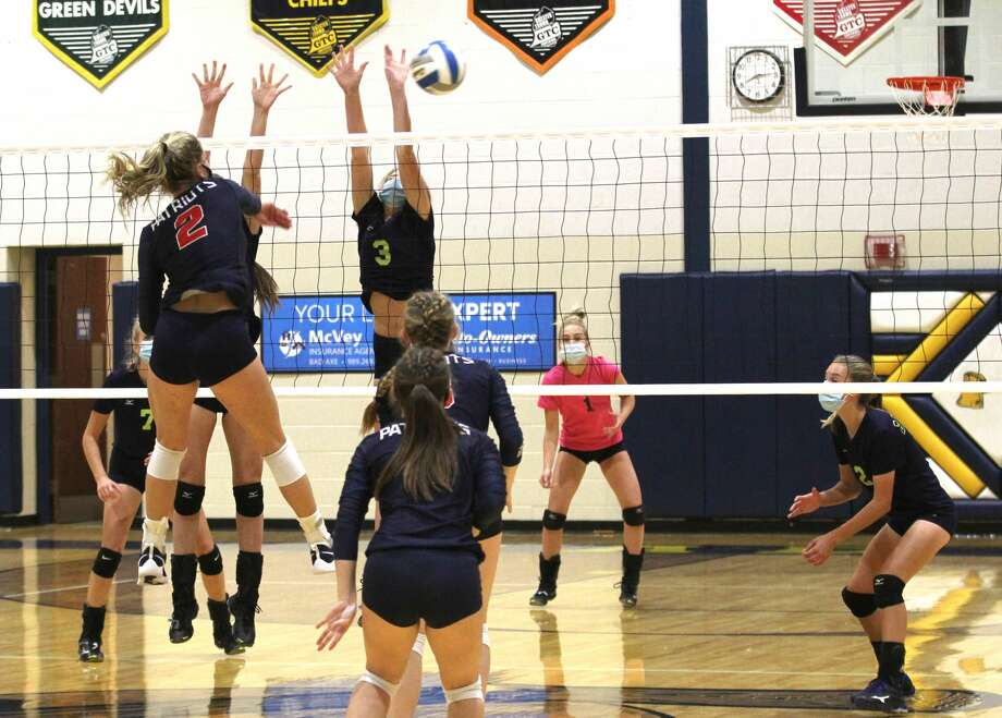It took them five hard-fought sets, but the Patriots of Unionville-Sebewaing topped the host Bad Axe Hatchets on Tuesday night. The Patriots won, 15-25, 22-25, 25-16, 25-23, 15-12. Photo: Mark Birdsall/Huron Daily Tribune