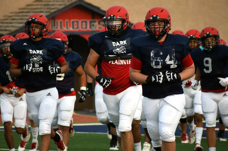The Plainview football team is set for another road clash on Thursday when the Bulldogs take on Amarillo Palo Duro in Dick Bivins Stadium at 7 p.m. in Amarillo. Photo: Nathan Giese/Planview Herald