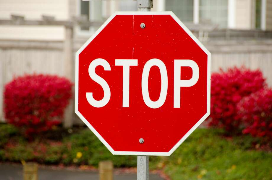 New law allows Washington bicyclists to yield, roll through stop signs