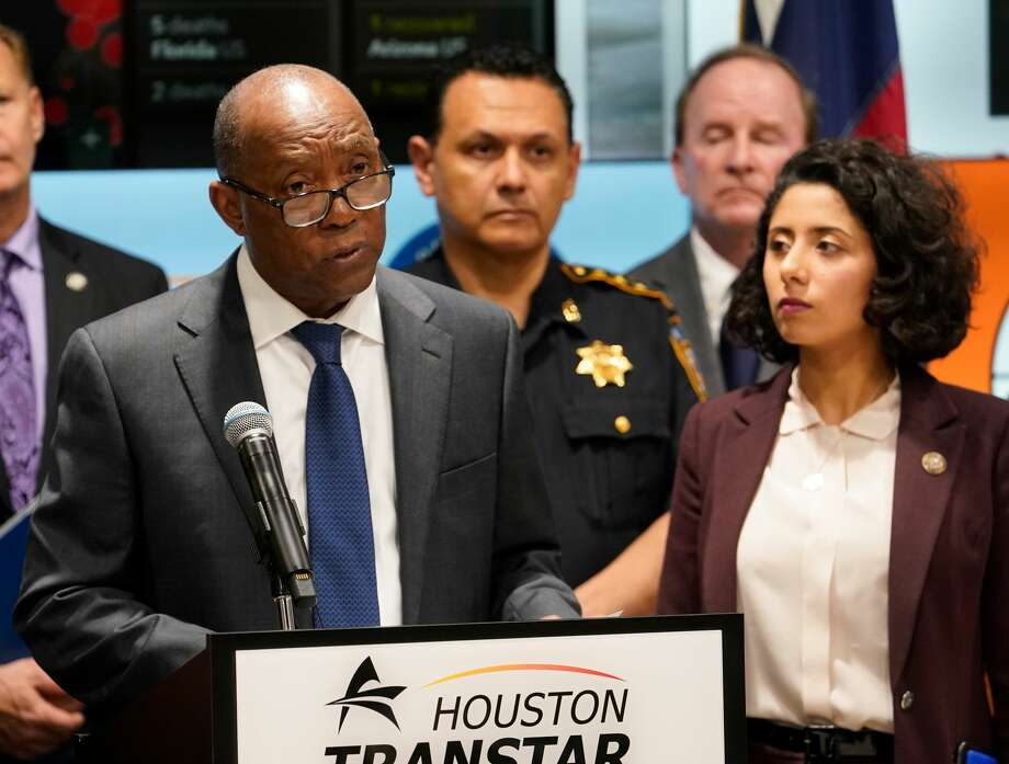 Houston Mayor Sylvester Turner, left, and Harris County Judge Lina Hidalgo, right, announced March 16 that restaurants would be restricted to takeout only and bars would close. Photo: Melissa Phillip/Staff Photographer / © 2020 Houston Chronicle