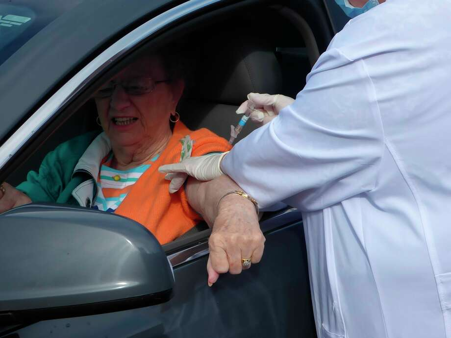 The Manistee County Council on Aging hosted a drive thru flu clinic Sept. 30. (Scott Fraley/News Advocate)