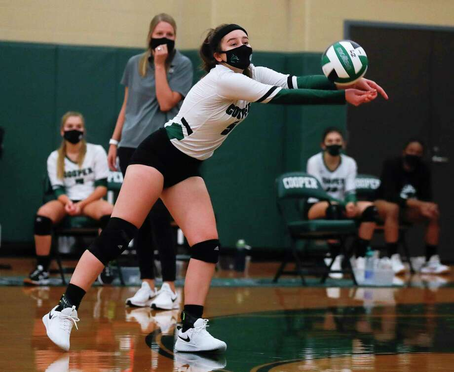 John Cooper setter Lauren Harkness (5) returns a hit during the first set of a non-district high school volleyball match at The John Cooper School, Wednesday, Sept. 30, 2020, in The Woodlands Photo: Jason Fochtman, Houston Chronicle / Staff Photographer / 2020 © Houston Chronicle