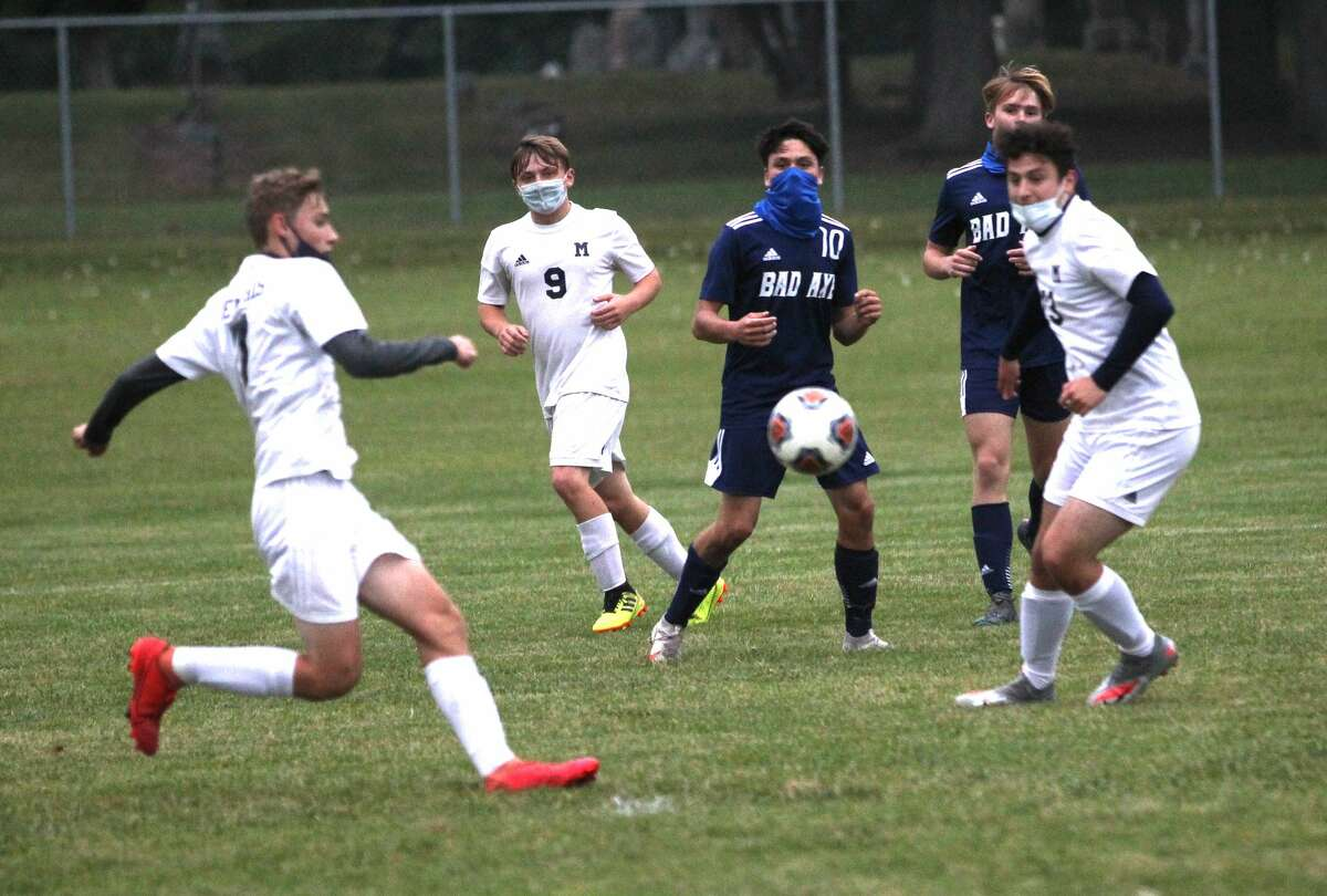 The Bad Axe boys soccer team improved their record to 6-1-1 on Wednesday evening as the they beat the visiting Memphis Yellowjackets.