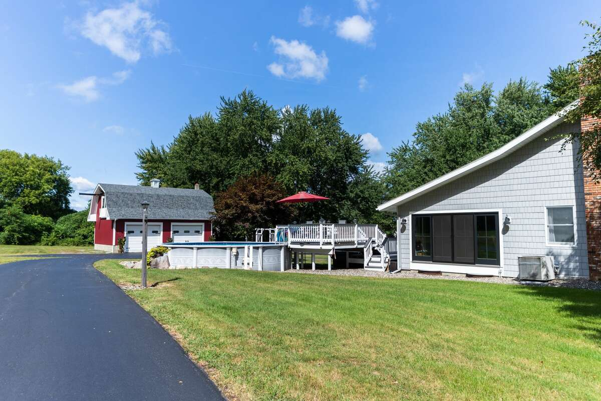 This week's house has three bedrooms and a guest suite above the garage with a fourth bedroom and additional bathroom. The house has 2,670 square feet of living space and sits on a 3.6-acre lot in the North Colonie school district. Contact listing agent Genevieve Suguitan of Signature One Realty at 518-527-9807.Listing here.