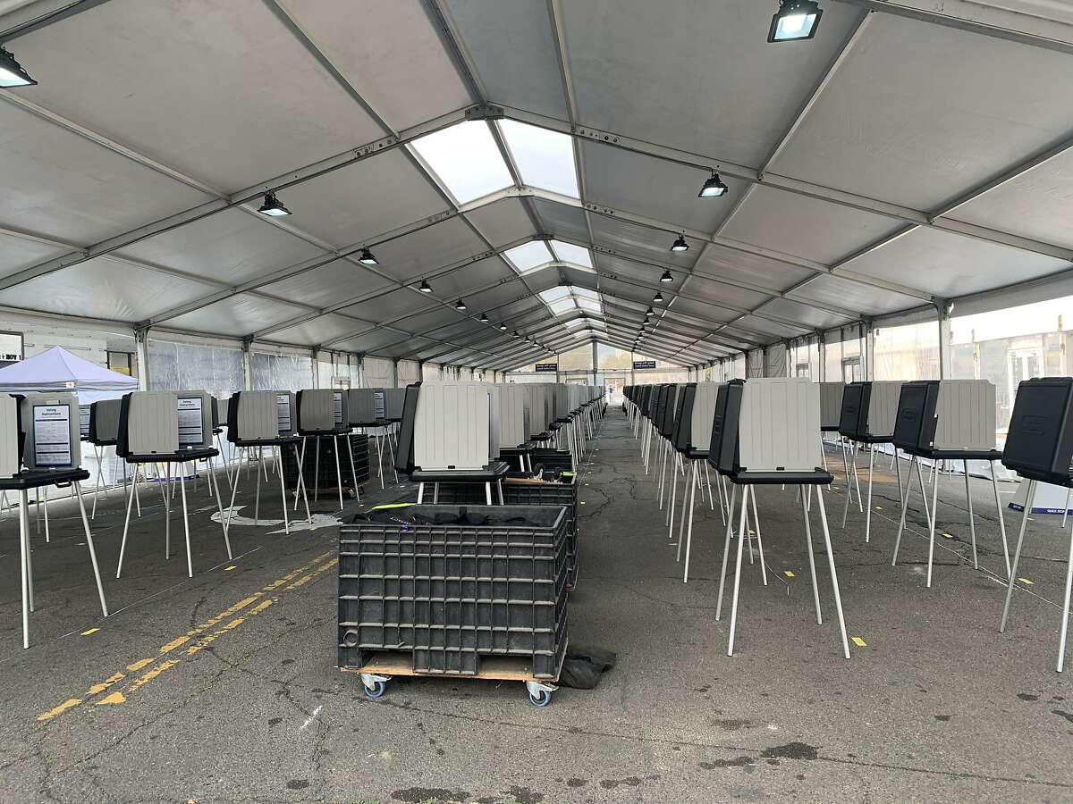 S.F. opened a new outdoor voting center next to City Hall plaza, where people can vote on and before election day Nov. 3.