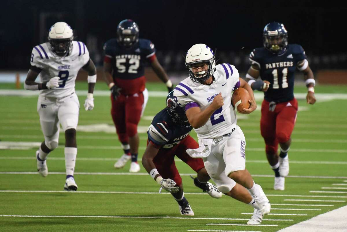 Humble quarterback Jeremiah Price Knott threw three touchdowns in the non-district win over Cy Springs.