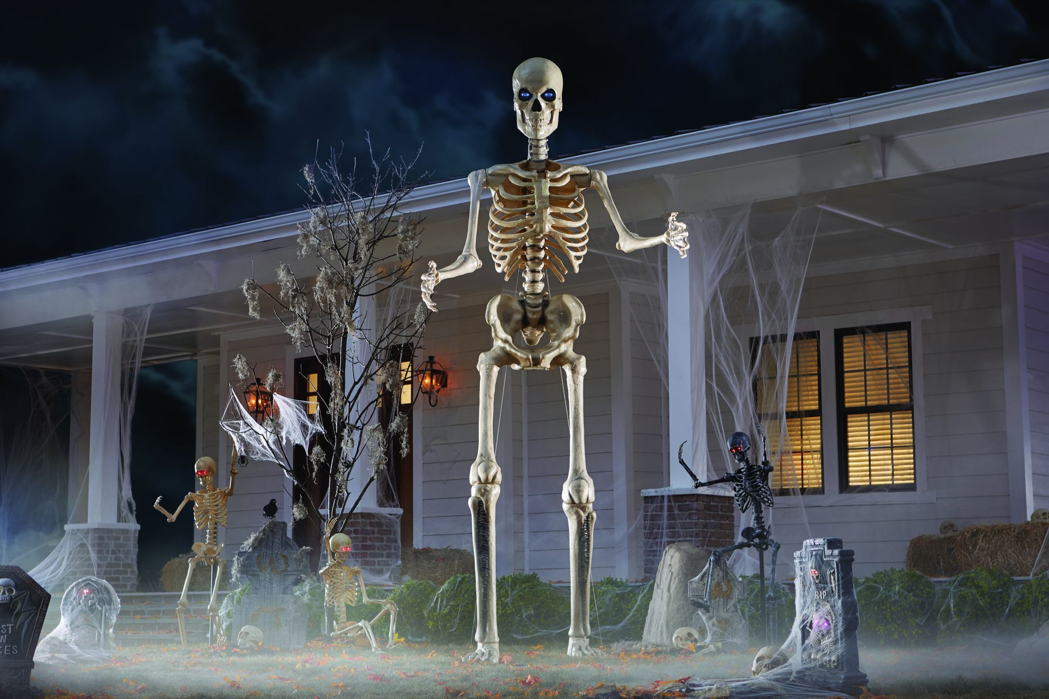 The 12 Foot Tall Skeletons From Home Depot Are The New Heroes Of Halloween