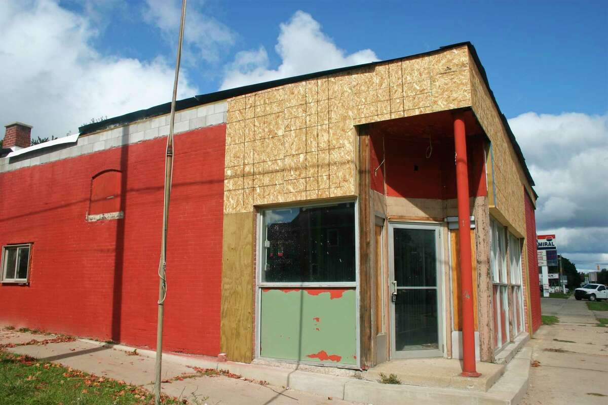 Big Rapids residents will have one more adult-use marijuana shop to check on in the next few months as Dunegrass prepares to open. Located at 801 N State St., the facility is set to fill the building formerly known as Big Rapids Hobby Shop. (Pioneer photo/Cathie Crew)
