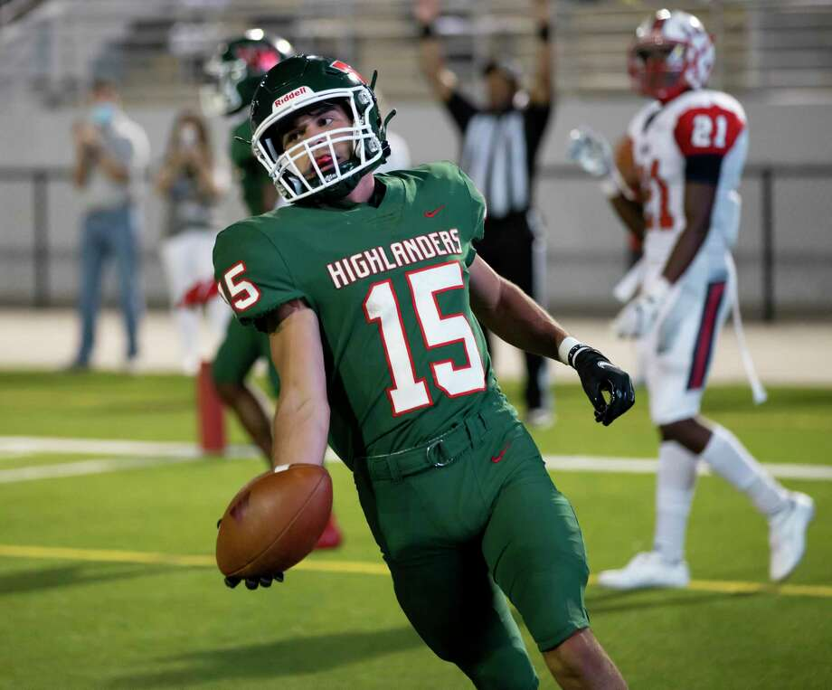 The Woodlands wide receiver Teddy Knox (2) shows the ball off after scoring a touchdown during the second quarter of a non-district game against Lamar at Woodforest Bank Stadium in Shanendoah, Friday, Oct. 2, 2020. Photo: Gustavo Huerta, Houston Chronicle / Staff Photographer / 2020 © Houston Chronicle