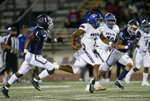 West Brook quarterback Bryce Anderson (1) runs the ball against Tomball Memorial, during the first half of the game at Tomball ISD Stadium Friday, Oct. 2, 2020, in Tomball, Texas. Photo: Godofredo A Vásquez/Staff Photographer / © 2020 Houston Chronicle