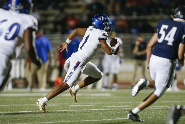 West Brook quarterback Bryce Anderson (1) runs the ball against Tomball Memorial during the first half of the game at Tomball ISD Stadium Friday, Oct. 2, 2020, in Tomball, Texas. Photo: Godofredo A Vásquez/Staff Photographer / © 2020 Houston Chronicle
