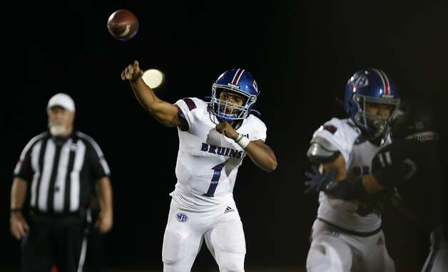 West Brook quarterback Bryce Anderson (1) throws the ball against Tomball Memorial during the second half of the game at Tomball ISD Stadium Friday, Oct. 2, 2020, in Tomball, Texas. Photo: Godofredo A Vásquez/Staff Photographer / © 2020 Houston Chronicle