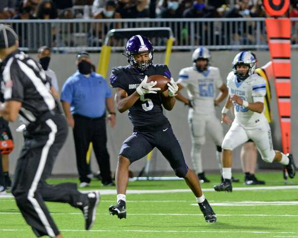 Jaelon Davis (5) of Morton Ranch make a touchdown reception during the second half of a non-conference football game between the Paetow Panthers and the Morton Ranch Mavericks on Friday, October 2, 2020 at Legacy Stadium, Katy, TX. Photo: Craig Moseley/contributor / ©2020 Craig Moseley