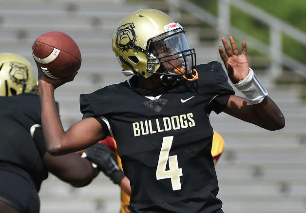 North Forest quarterback Melvin Houston throws a pass during the first half of a high school football game against Yates, Saturday, Oct. 3, 2020, in Houston. Photo: Eric Christian Smith, Contributor / Houston Chronicle