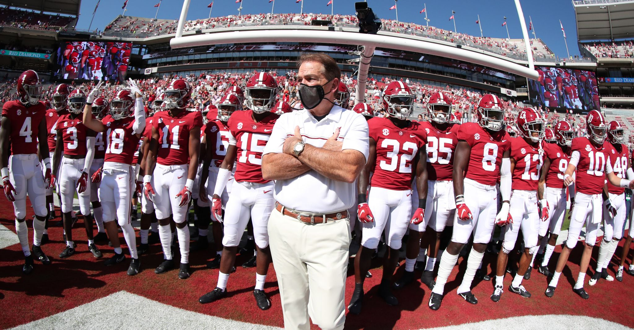 Alabama Football Still A Spectacle Even With Stadium A Fifth Full Houstonchronicle Com