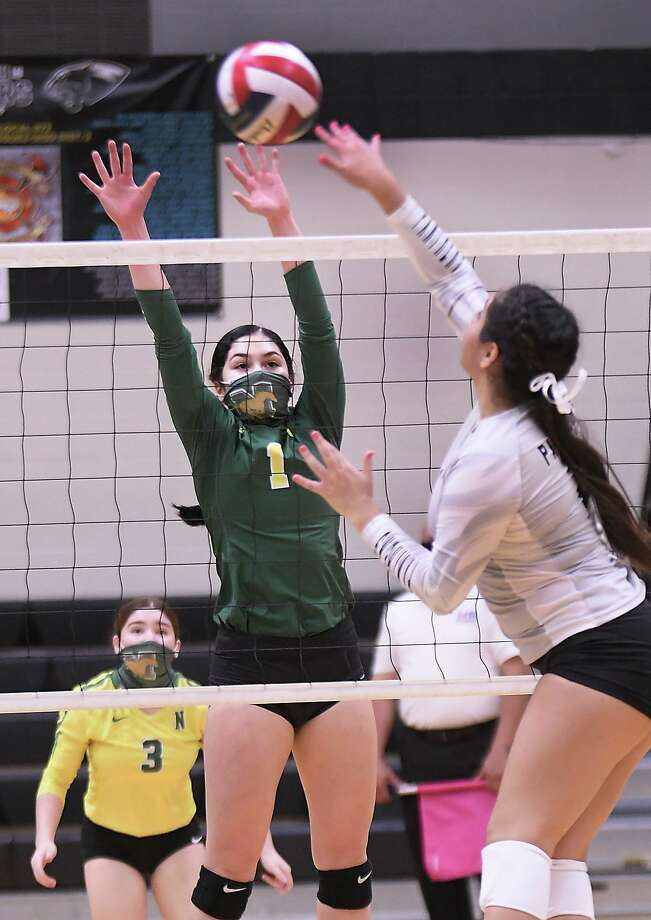 Ana Meza and the Nixon Lady Mustangs defeated the United South Lady Panthers in five sets Saturday. Photo: Cuate Santos /Laredo Morning Times / Laredo Morning Times