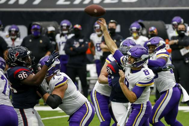 Minnesota Vikings quarterback Kirk Cousins (8) passes the ball during the first quarter of an NFL game on Sunday, Oct. 4 2020, at NRG Stadium in Houston. Photo: Jon Shapley/Staff Photographer / © 2020 Houston Chronicle