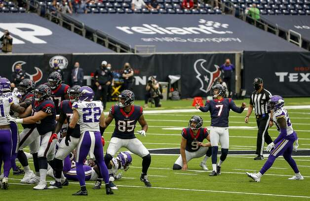 Houston Texans kicker Ka'imi Fairbairn (7) watches a field goal during the second quarter of an NFL game on Sunday, Oct. 4 2020, at NRG Stadium in Houston. Photo: Jon Shapley/Staff Photographer / © 2020 Houston Chronicle