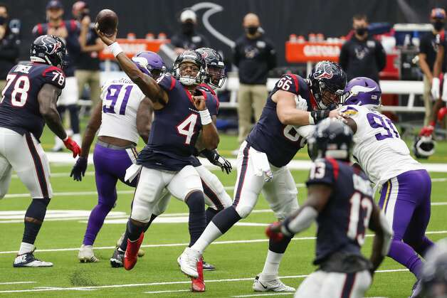 Houston Texans quarterback Deshaun Watson (4) throws a 24-yard touchdown pass to Kenny Stills during the fourth quarter of an NFL football game against the Minnesota Vikings at NRG Stadium on Sunday, Oct. 4, 2020, in Houston. Photo: Brett Coomer/Staff Photographer / © 2020 Houston Chronicle