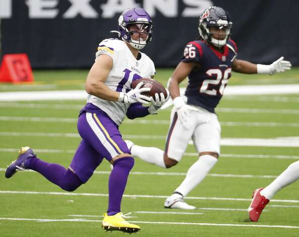 Minnesota Vikings wide receiver Adam Thielen (19) makes a first down reception deep in the Houston Texans defensive backfield during the third quarter of an NFL football game at NRG Stadium on Sunday, Oct. 4, 2020, in Houston. Photo: Brett Coomer/Staff Photographer / © 2020 Houston Chronicle