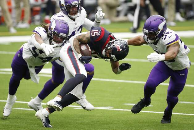 Houston Texans wide receiver Will Fuller (15) makes a catch past Minnesota Vikings middle linebacker Eric Kendricks (54) during the first half of an NFL football game at NRG Stadium on Sunday, Oct. 4, 2020, in Houston. Photo: Brett Coomer/Staff Photographer / © 2020 Houston Chronicle