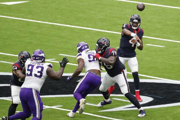 Houston Texans quarterback Deshaun Watson (4) throws a pass against the Minnesota Vikings during the third quarter of an NFL football game at NRG Stadium on Sunday, Oct. 4, 2020, in Houston. Photo: Brett Coomer/Staff Photographer / © 2020 Houston Chronicle