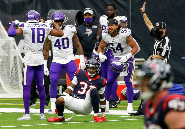 Minnesota Vikings wide receiver Justin Jefferson (18) celebrates with teammates after catching a pass during the third quarter of an NFL game on Sunday, Oct. 4 2020, at NRG Stadium in Houston. Photo: Jon Shapley/Staff Photographer / © 2020 Houston Chronicle