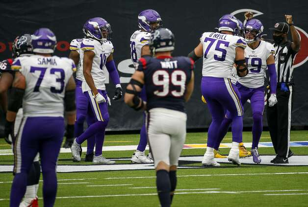 Minnesota Vikings wide receiver Adam Thielen (19) celebrates with teammates after scoring a touchdown during the third quarter of an NFL game on Sunday, Oct. 4 2020, at NRG Stadium in Houston. Photo: Jon Shapley/Staff Photographer / © 2020 Houston Chronicle