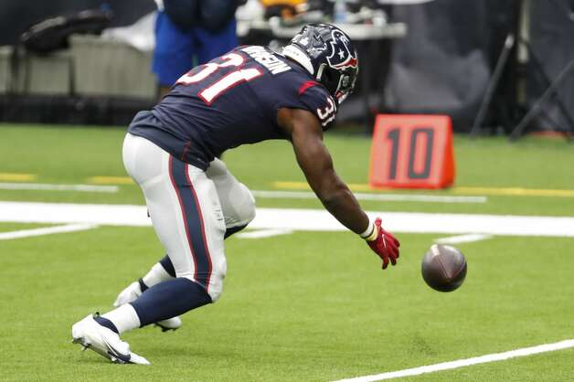 Houston Texans running back David Johnson (31) fumbles a pitch on third down and goal during the fourth quarter of an NFL football game against the Minnesota Vikings at NRG Stadium on Sunday, Oct. 4, 2020, in Houston. Photo: Brett Coomer/Staff Photographer / © 2020 Houston Chronicle