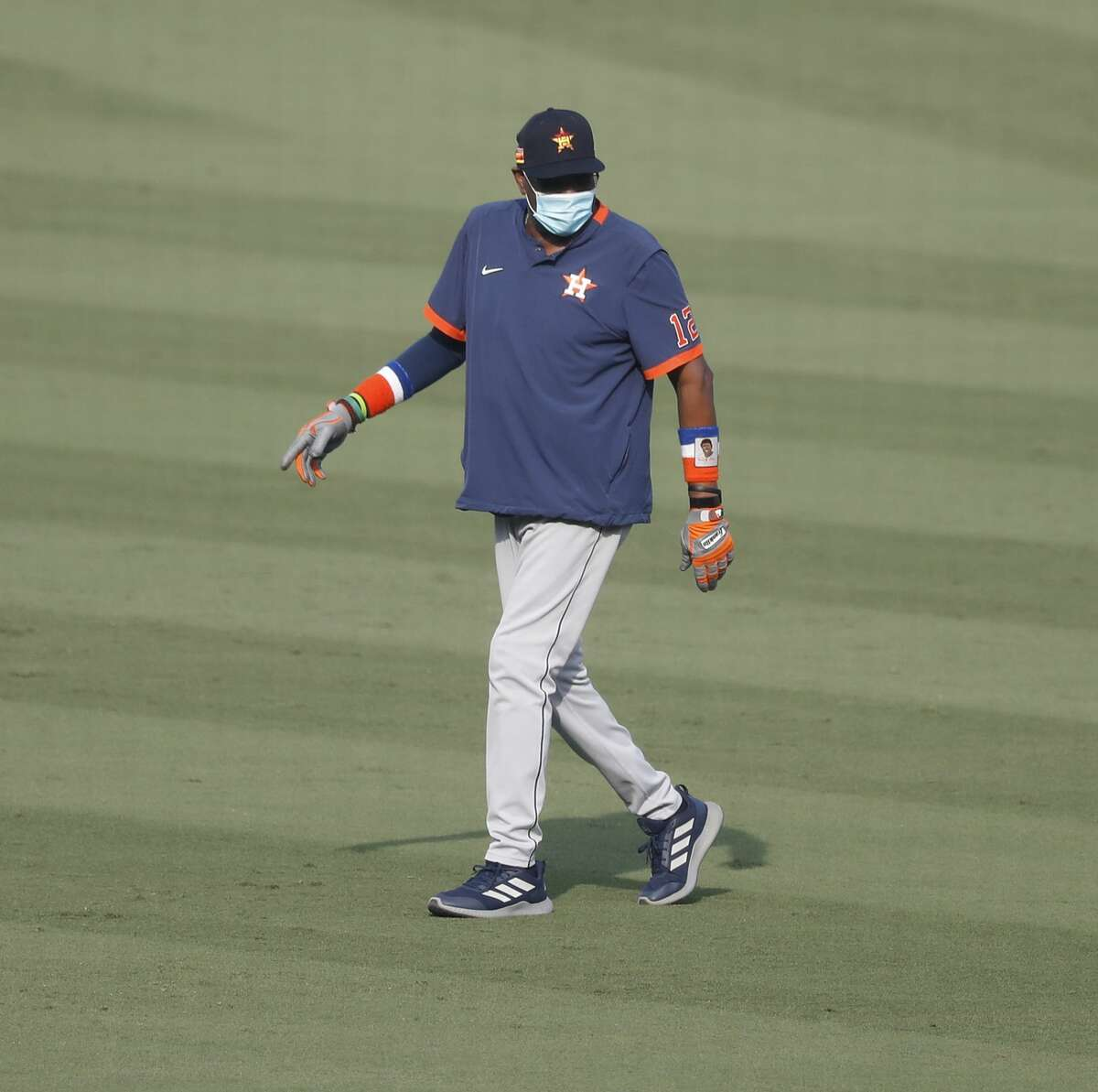 Houston Astros manager Dusty Baker Jr. walks out to the outfield during batting practice and workouts, Sunday, October 4, 2020, in Los Angeles, as the Astros prepared to take on the Oakland Athletics in Game 1 of the ALDS, Monday, at Dodger Stadium.