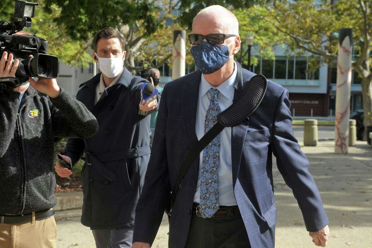 Former City of Bridgeport Personnel Director David Dunn arrives at the Federal Courthouse in Bridgeport, Conn. Oct. 5, 2020.