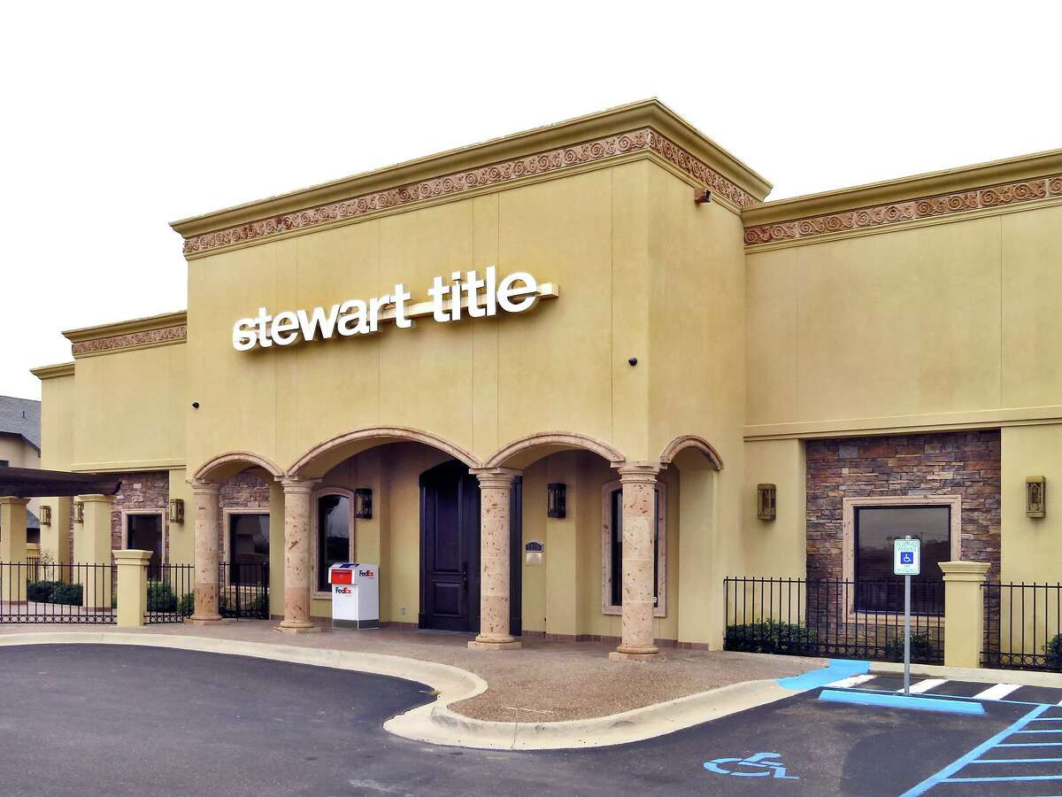 Stewart Title Company, offices located at 1016 Monaco Blvd., Laredo.