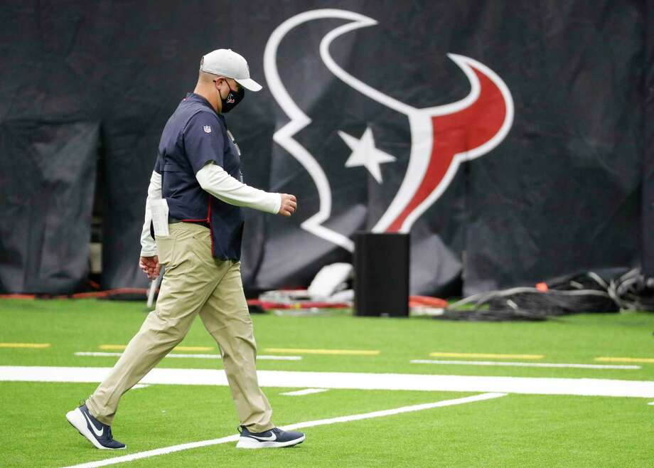 Houston Texans head coach Bill O'Brien walks off the field as the clock winds down during the fourth quarter of an NFL football game against the Minnesota Vikings at NRG Stadium on Sunday, Oct. 4, 2020, in Houston. The Vikings beat the Texans 31-23, to drop the Texans to 0-4 on the season. Photo: Brett Coomer, Houston Chronicle / Staff Photographer / © 2020 Houston Chronicle