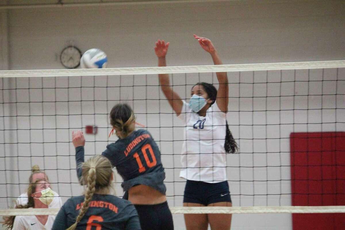 Big Rapids Marissa Warren goes after the ball in volleyball action this season. (Pioneer photo/John Raffel)