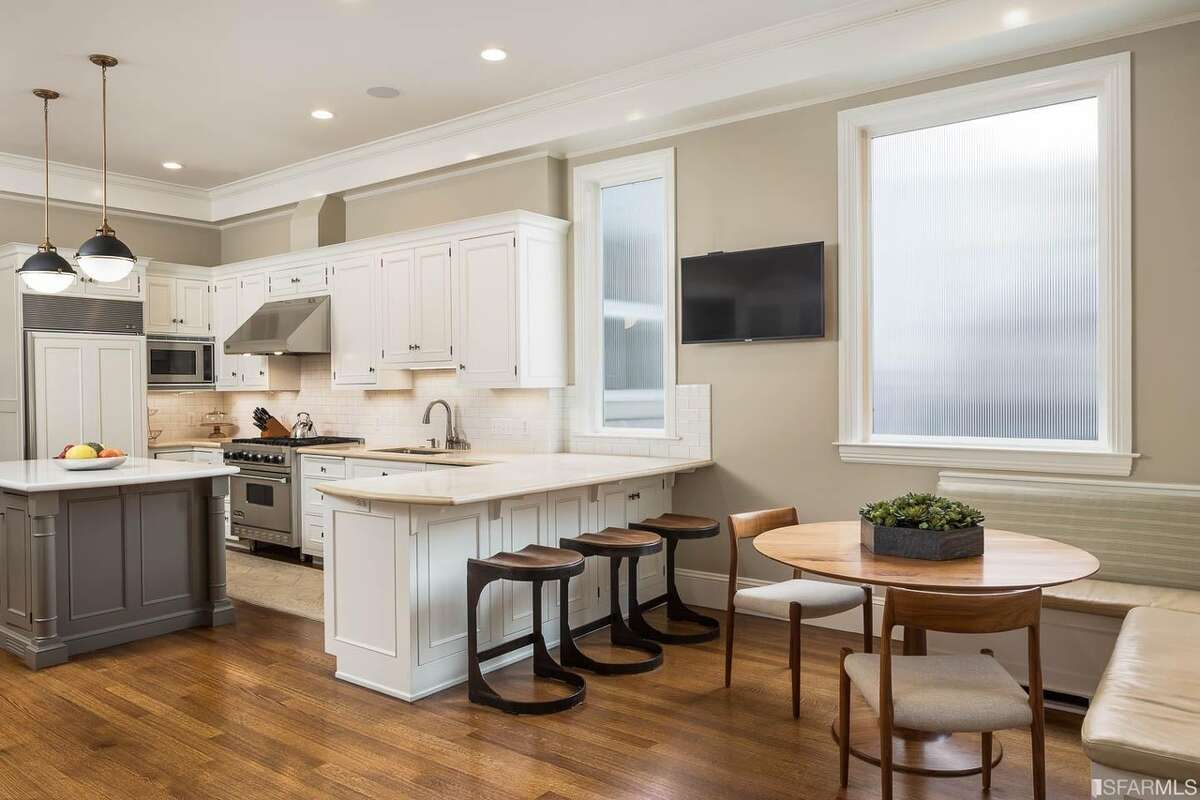 The kitchen, however, was given a completely modern overhaul in the early 2000s to better fit a young family.