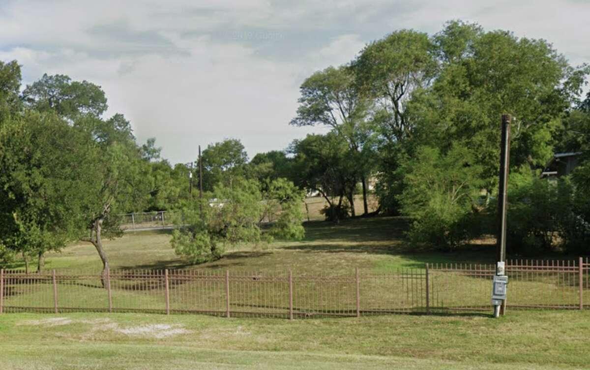 Belmeade Park North Side (208 W. Hathaway Dr.)