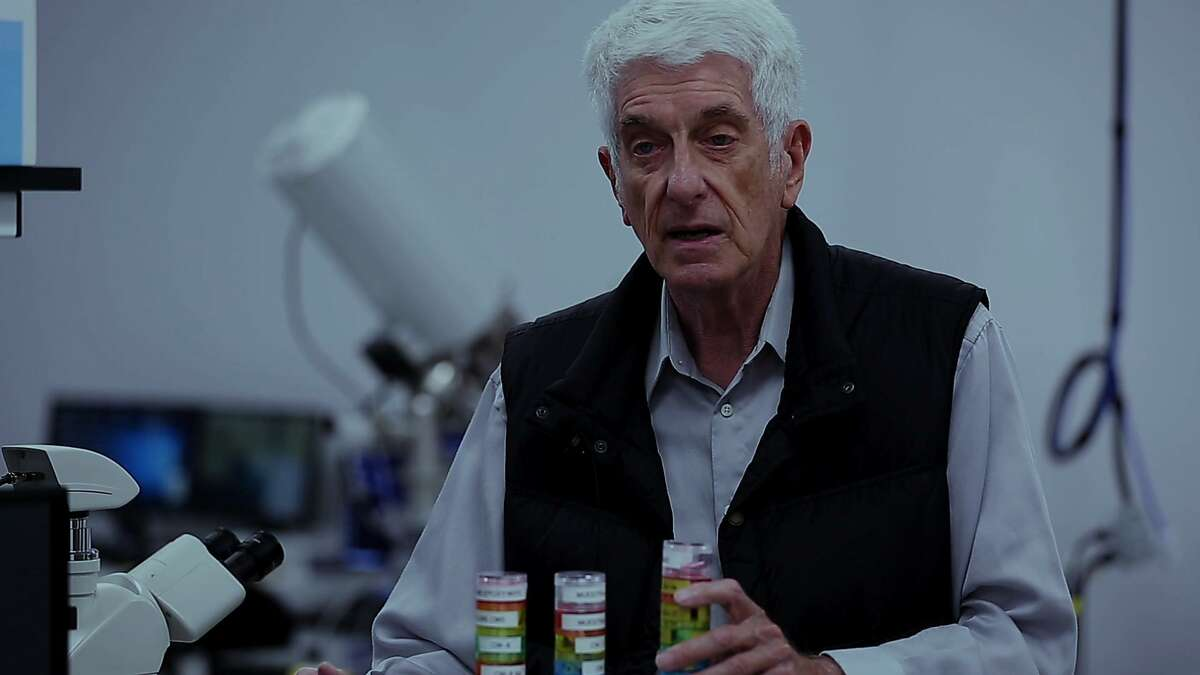 Jacques Vallee, one the world's most respected researchers into the UFO phenomenon, makes a rare appearance in