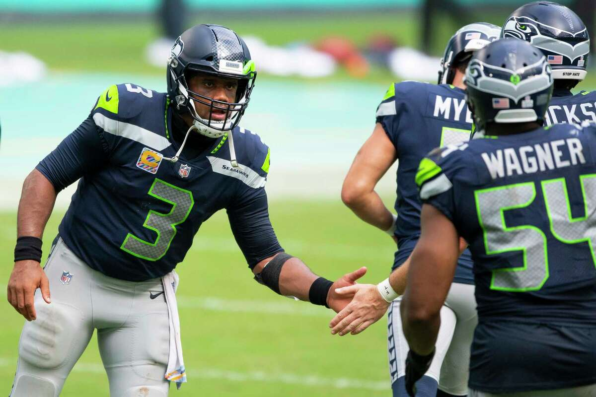 In a late schedule change by the NFL announced Wednesday, the Seattle Seahawks' Week 7 game at the Arizona Cardinals on Sunday has been flexed into the primetime slot.