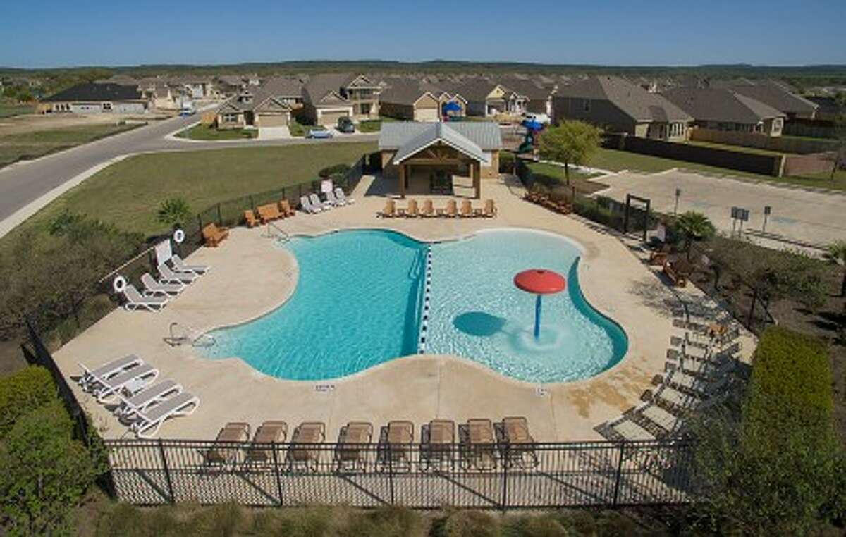Perry Homes, a Texas homebuilder for over 50 years, is committed to providing exceptional value, quality and customer service.