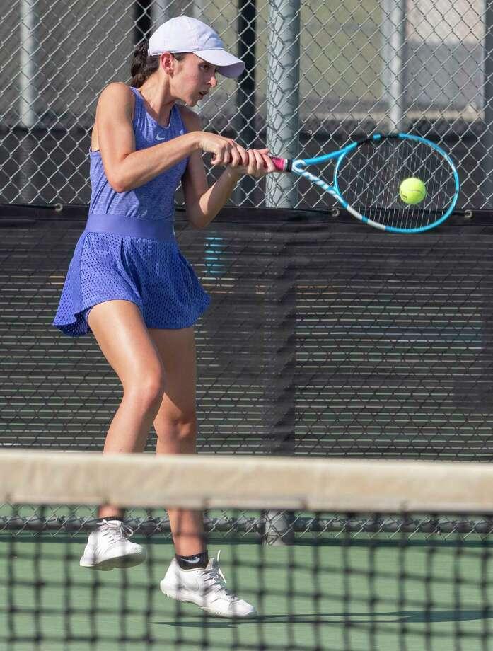 Midland High's Montserrat Salazar returns a shot 10/06/2020 at the Bush Tennis Center. Tim Fischer/Reporter-Telegram Photo: Tim Fischer, Midland Reporter-Telegram