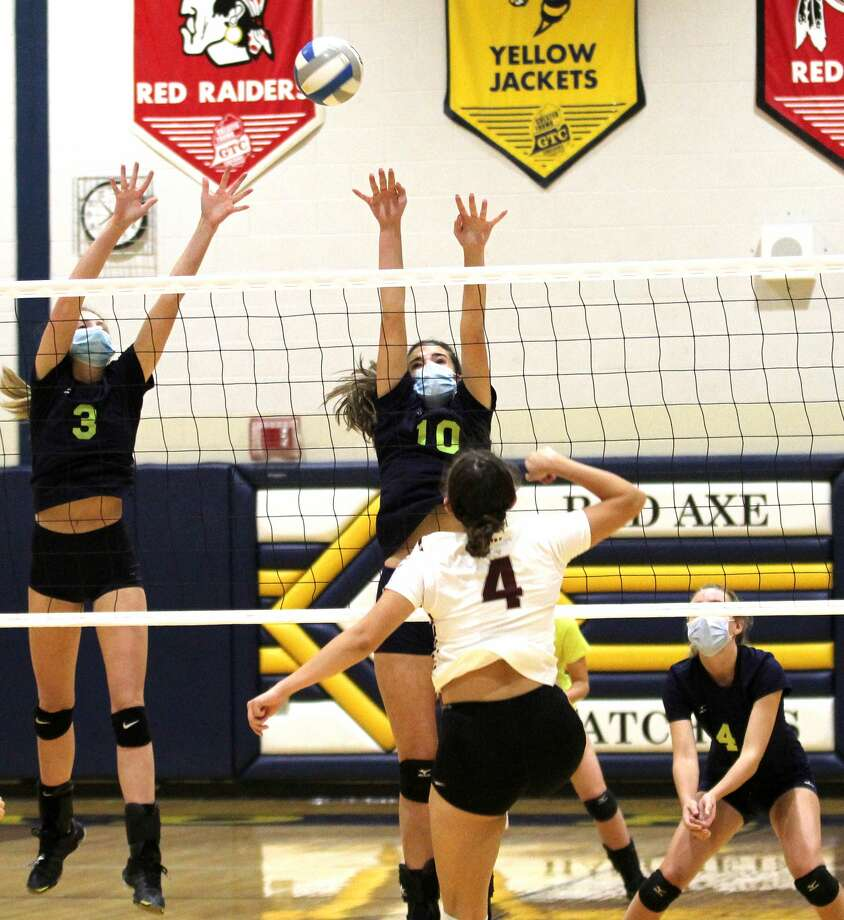 The Bad Axe varsity volleyball team beat visiting Cass City in four sets, 23-25, 25-16, 25-20, 25-20, on Tuesday night. Photo: Mark Birdsall/Huron Daily Tribune