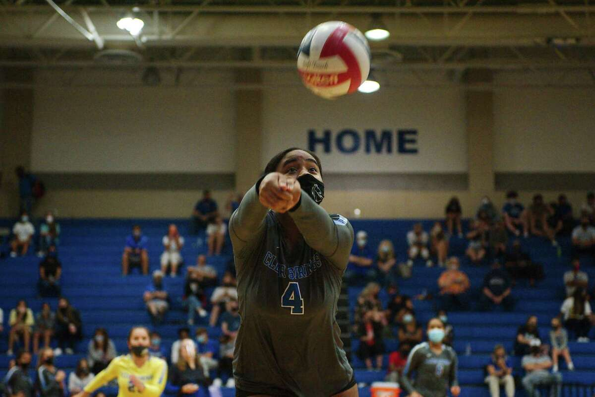 Clear Springs' Ashley Richardson (4) sets up a shot against Clear Creek Tuesday, Oct. 6 at Clear Springs High School.