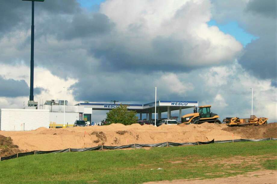 Construction has begun on a new Taco Bell store on 220th Avenue in Reed City. It is expected to be completed in late 2020. (Pioneer photo/Cathie Crew)