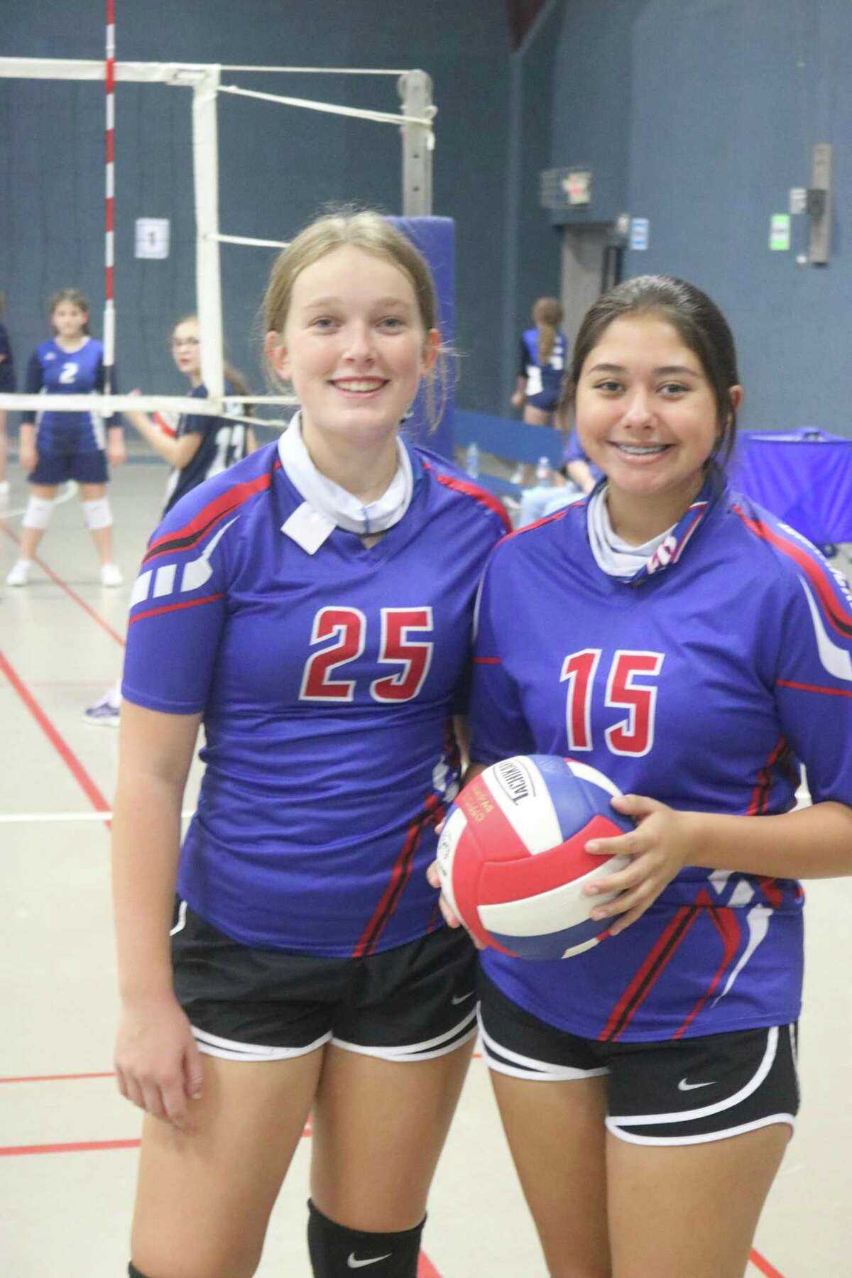 Oda Winter-Hjelm (left) and Haley Yanez battled the Bob Hope School Monday night. Yanez held serve for 10 points in Game 1.