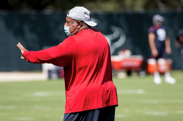 Houston Texans interim head coach Romeo Crennel works with his players during his first practice leading the team Wednesday, Oct. 7, 2020, at The Houston Methodist Training Center in Houston. Crennel takes over for fired Houston head coach Bill O'Brien, who was fired this week after an 0-4 start. Photo: Brett Coomer, Staff Photographer / © 2020 Houston Chronicle