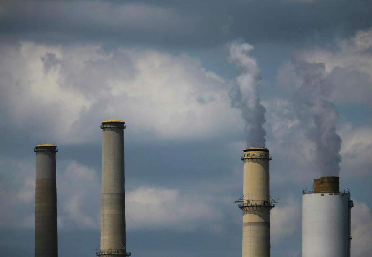 The Fayette Power Project, a coal-fired power plant, near La Grange, Texas. In 2009, worred about power shortages, Texas expected to build several coal-fired plants and prepared to build underground carbon dioxide storage to keep greenhouse gas emissions from soaring.