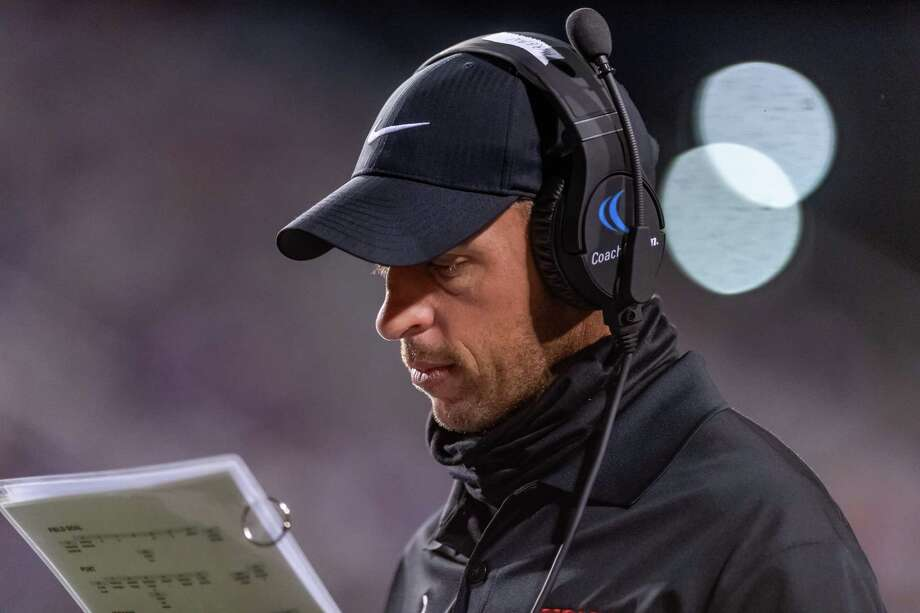 Port Arthur Memorial Titans Coach Brian Morgan. Port Neches-Groves hosted Port Arthur Memorial in the 5A season opener for both programs. Photo made on September 25, 2020. Fran Ruchalski/The Enterprise Photo: Fran Ruchalski, The Enterprise / The Enterprise / © 2020 The Beaumont Enterprise