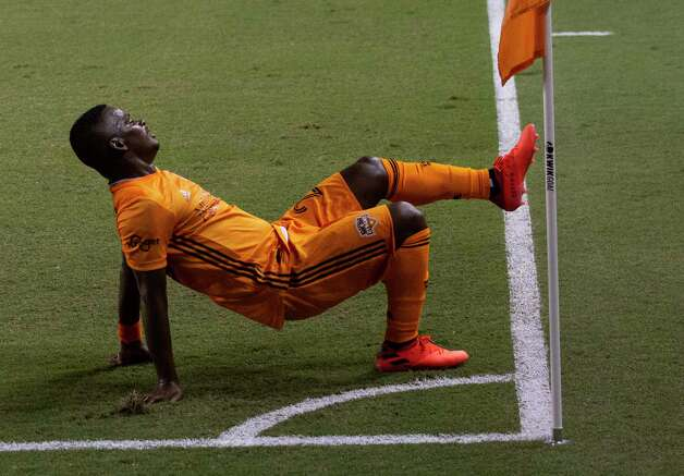 Houston Dynamo forward Darwin Quintero (23) celebrates his goal against the FC Dallas at the 20th minutes  during the first half of a MLS match Wednesday, Oct. 7, 2020, at BBVA Stadium in Houston. Photo: Yi-Chin Lee, Staff Photographer / © 2020 Houston Chronicle